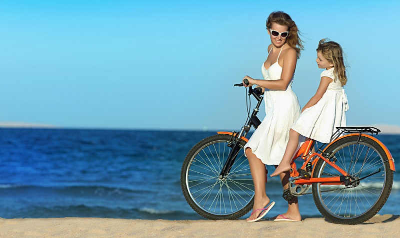 Wenn man im Urlaub an der französischen Silberküste Entspannung sucht, sollte man von seiner Ferienwohnung in Biscarrosse aus auf dem Fahrrad die Umgebung erkunden. (#02)