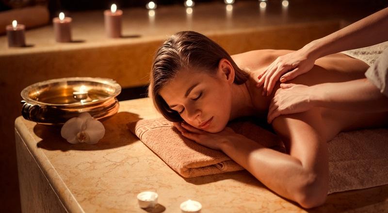 Massagen werden in vielen Kulturen seit Jahrtausenden genutzt, um Körper und Geist zu entspannen. Die Muskulatur wird gelockert und dabei lösen sich Blockaden