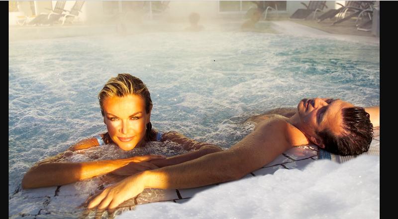 Die Therme Bad Füssing nutzt das legendäre Heilwasser, um etwas für die Gesundheit der Gäste zu tun. ( Foto: _Kur- & Gästeservice Bad Füssing )